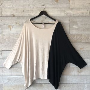 Oversize batwing Assymetrical top